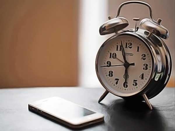 clock phone